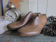 Oude houten schoenleesten