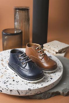 Δερμάτινα brogues παπούτσια της Babywalker για αγόρια, annassecret, Χειροποιητες μπομπονιερες γαμου, Χειροποιητες μπομπονιερες βαπτισης Men Dress, Dress Shoes, Brogues, Designer Shoes, Baby Shoes, Oxford Shoes, Lace Up, Handmade, Collection