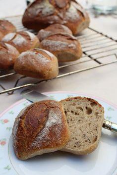 Ein Brot und acht Brötchen - neun auf einen Streich... Roggenkörnle!