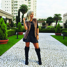 A mulherada está amando esta ideia. As botas Over The Knee da Sylt são perfeitas para a meia estação. Você pode compor um look super fashion. Confira na Adoro Presentes. #Moda #Feminina #Boots #OverTheKnee #Looks #Fashion #moda #Bota #AdoroPresentes