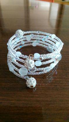 Náramok, korálky TOHO AB,crystal white,crystal AB/memory wire bracelet