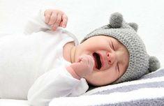 Bebê chorando com gases