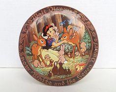 Vintage Walt Disney Tin - Snow White and the Seven Dwarfs - Collectible - Travel Souvenir