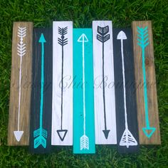 """26"""" x 24"""" Wooden Pallet Art with Turquoise Arrows (Customizable Colors) This is our stock inventory picture. Please contact us for custom colors at no additional charge!"""