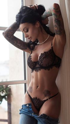 Amazing Tattooed Fitness Girls & Women Daily Pictures. Motivation... Inspiration... Beauty. #fitgirl #fitnesstattoo #girlswithtattoos #inkedbabes #inkedgirl #tattooedmodel #tattoogirl #tattoo
