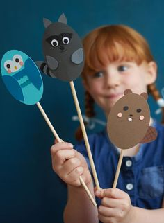 Looking for fun summer craft activities with the kids? Make a set of woodland animal stick puppets to create imaginative stories and fun puppet shows! Paper Crafts For Kids, Easy Crafts For Kids, Diy For Kids, Fun Crafts, Holiday Crafts For Kids, Craft Projects For Kids, Summer Crafts, Christmas Crafts, Kids Activities At Home