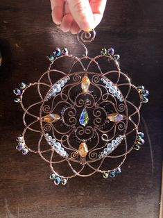 Wire Jewelry Designs, Handmade Wire Jewelry, Beaded Jewelry Patterns, Handmade Copper, Bijoux Wire Wrap, Wire Wrapped Jewelry, Wire Crafts, Jewelry Crafts, Copper Wire Art