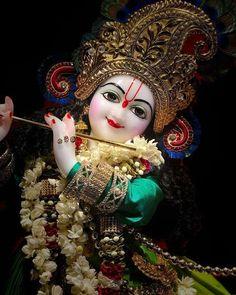 Radha Krishna Photo, Krishna Photos, Ganpati Decoration Design, Lord Krishna Images, Pinterest Images, Dear God, Worship, Captain Hat, Princess Zelda