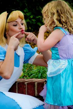 Alice & Little Ariel making fish faces  <3 Remember Lauren in Paris or this could be cleo