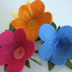 Felt corsages, felt nasturtium in beautifull fresh colours. felt wedding, felt flowers, felt