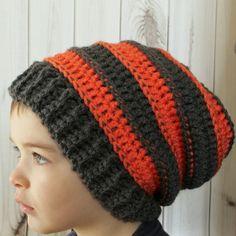 Tuque maladroite enfant slouchy fait à la par LaCapitaineCrochete Crochet Slippers, Kids Hats, Crochet For Kids, Kid Stuff, Knitted Hats, Phone Case, Crochet Patterns, Beanie, Etsy