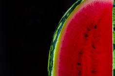 Watermelon is a great summer fruit, the largest berry that exists, and also it has beautiful colours! Summer Fruit, Creative Photography, Watermelon, Berries, About Me Blog, Fruit Fruit, Bury, Blackberry, Strawberries