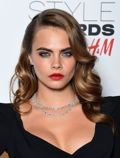 Cara's ringlets are very Lana Del Rey