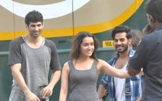 "After entertaining the audience with their romance in ""#Aashiqui2"", actress #ShraddhaKapoor is hopeful to recreate the same chemistry with #AdityaRoyKapur in ""#OkJaanu""."