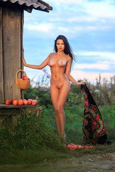 taglich nude beautifull
