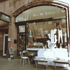 Tia & Emma is a cool Coffee & Design shop in Frankfurt, Germany