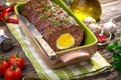 Вкусное праздничное блюдо, отлично подходит для нарядного пасхального стола.  Готовится рулет просто и быстро, из доступных продуктов, а результат превосходит все ожидания.