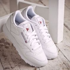 Reebok Classic White Leather Trainers - Urban Outfitters Classic Leather f9d4f252c