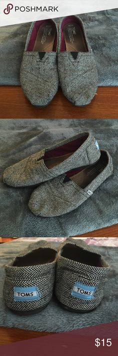 Toms flats Toms classic flats! Grey herringbone! Worn frequently but haven't in a year or so. TOMS Shoes Flats & Loafers
