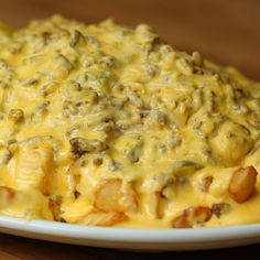 Sloppy Joe Cheesesteak Fries - Twisted (for family get-togethers) Homemade Sloppy Joes, Sloppy Joes Recipe, Beef Recipes, Cooking Recipes, Drink Recipes, Cooking Tv, Skillet Cooking, Fries Recipe, Mole Recipe