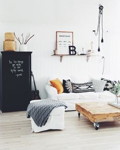 Weekend morning in #dcninteriors via @thecozyspaceblog