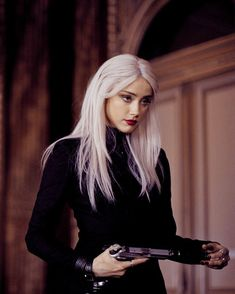 ― Amber Heard Fan ♡さん( 「✿ೃ ▎↳ Promotional still of Amber as Vivi Delay in Days to Kill❜, 🖤 ⠀⠀⠀⠀ ∘ଂ✧࿐ 「 Heard Amber Heard Fan ♡ ( 3 Days To Kill, Estilo Dark, Beautiful People, Beautiful Women, Female Character Inspiration, Mode Outfits, Hair Makeup, Celebs, Photoshoot
