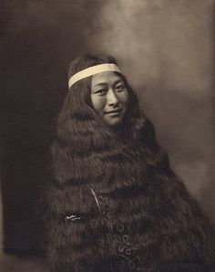 Inuit Woman from Nome, Alaska, c. 1906 by Beverly Bennett Dobbs. (This photo was taken in the same year that my grandmother, Ida Pryor, was born. My Gran is now with the Lord. Native American Images, Native American History, Native American Indians, Native Americans, We Are The World, People Of The World, Inuit People, Labrador, Portraits