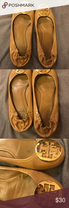 Tory Burch flats Tory Burch reva ballet flats. Authentic. Not in the best condition that's why it's priced low. Please see photos. Buy as is. Tory Burch Shoes Flats & Loafers