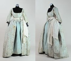 Circa 1775 Robe A L' Anglaise With Quilted Silk Petticoat & Philadelphia Provenance