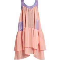 Natasha Zinko Scoop-neck sleeveless textured-jacquard dress ($889) ❤ liked on Polyvore featuring dresses, light pink, sleeveless dress, oversized dress, avant garde dress, tiered ruffle dress and metallic gold dress
