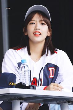 Yu Jin, Japanese Names, Japanese Girl Group, Starship Entertainment, 3 In One, The Wiz, Kpop Groups, Kpop Girls, Rapper