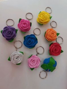 Alice Birthday party decor Giant paper flower Two tone rose Large white red rose Bridal bouquet big Anniversay gift Cd Crafts, Foam Crafts, Diy Arts And Crafts, Giant Paper Flowers, Felt Flowers, Fabric Flowers, Handmade Keychains, Diy Keychain, Caleb Y Sophia
