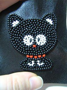 Кошка-брошка маленький МК - Разнообразные поделки из бисера: схемы,мастер классы