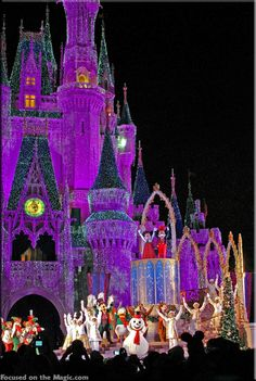 Focused on the Magic : 10 Walt Disney World Christmas Trivia Tidbits