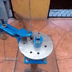 Machine for bending of metal bars Metal Bending Tools, Metal Working Tools, Metal Tools, Bending Wood, Wood Working, Metal Projects, Welding Projects, Diy Projects, Homemade Tools