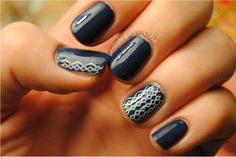 Blue with white zigzags nails