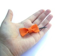 Felt Hair pins orange bow bobby pin halloween by JPwithLove http://etsy.me/nDsRBJ