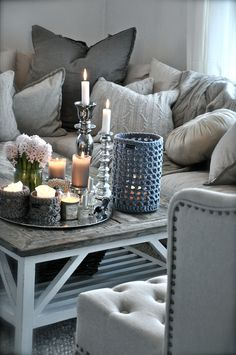 grey and cream is so cozy... I am totally in love with grey