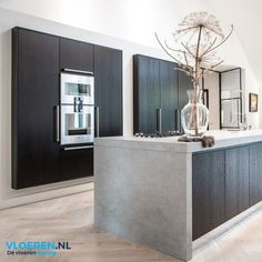 How To Incorporate Contemporary Style Kitchen Designs In Your Home Kitchen On A Budget, Home Decor Kitchen, Home Kitchens, Modern Kitchen Design, Interior Design Kitchen, Cuisines Design, Kitchen Remodel, House Styles, Snowflake Snowflake