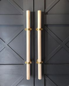 Creative Pantry Door Ideas For Inspirational 50 Awesome Kitchen Pantry Design Ideas From rustic salvaged barn wood to modern glass, discover the top 40 best kitchen panty door ideas Closet Door Handles, Barn Door Handles, Barn Door Hardware, Cabinet Hardware, Wood Door Handle, Door Pull Handles, Closet Doors, Kitchen Pantry Doors, Kitchen Pantries