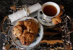 Zabpelyhes cookie tea kávé mellé | NOSALTY Muesli, Biscotti, Tea Time, French Toast, Food And Drink, Cookies, Breakfast, Tableware, Recipes
