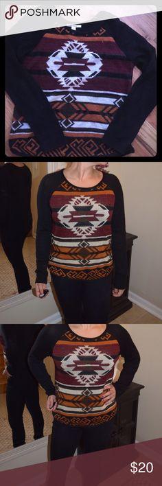 Navajo Print Sweater Great condition! Sweaters Crew & Scoop Necks