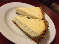 Vanilla cheesecake with knöckebrot crust