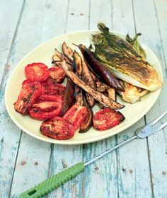 Grilled-Eggplant Salad tips guide cooking Cooking Photos, Cooking Tips, Cooking Recipes, Grilled Eggplant Recipes, Salad Recipes, Vegan Recipes, Easy Recipes, Eggplant Salad, Fourth Of July Food