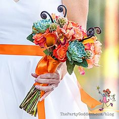 LOVING these wedding flower bouquets! Any bride would think twice before tossing these over a shoulder! https://thepartygoddess.com/wedding-flower-bouquets-wont-want-toss | The Party Goddess | Photography by Christine Chang . Maia Franz . Minaret Photography . The Becker