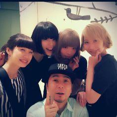 さおりちゃんに貰った写真がとても良い。正人さん with 女子。