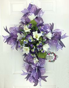 Easter Deco Mesh Cross Wreath with Easter Lilies, Hydrangeas and Pansies in Lavender -Lent Cross Wreath by www.southerncharmwreaths.com #cross #lent #wreath