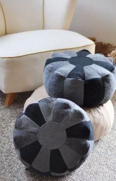 recycled wool pouf made out of jeans Artisanats Denim, Denim Art, Denim Purse, Jean Crafts, Denim Crafts, Sewing Crafts, Sewing Projects, Denim Ideas, Old Jeans
