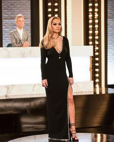 Rita Ora is so pretty in this black dress Rita Ora, Female Singers, Oras, Beautiful Women, Glamour, Celebrities, Sexy, Pretty, Beauty