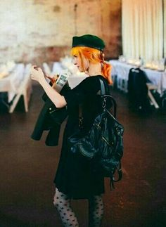 For everything Paramore check out Iomoio Hayley Paramore, Paramore Hayley Williams, Hayley Williams Style, Hayley Wiliams, Ootd Fashion, Fashion Outfits, Taylor York, Quirky Fashion, Vestidos